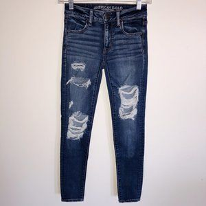 AMERICAN EAGLE Distressed Mid Rise Jeggings